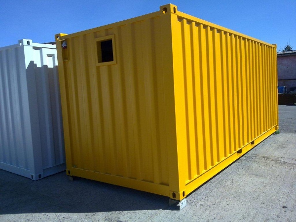 Technikcontainer isoliert